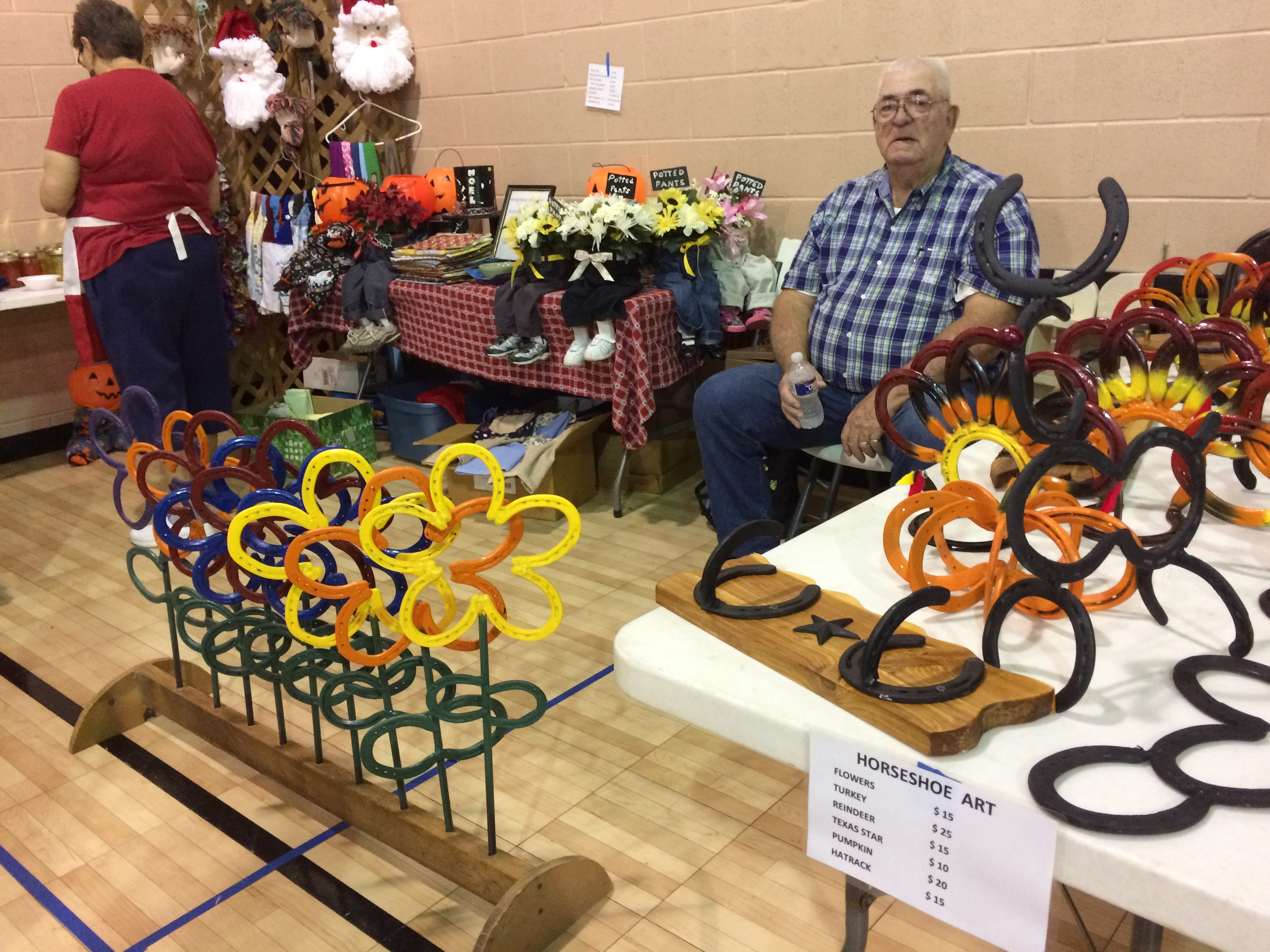 Handmade Horseshoe Art And Some Potted Pants Pecan Plantation Vfd